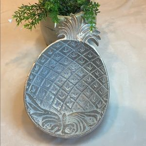 Pineapple decorative tray.